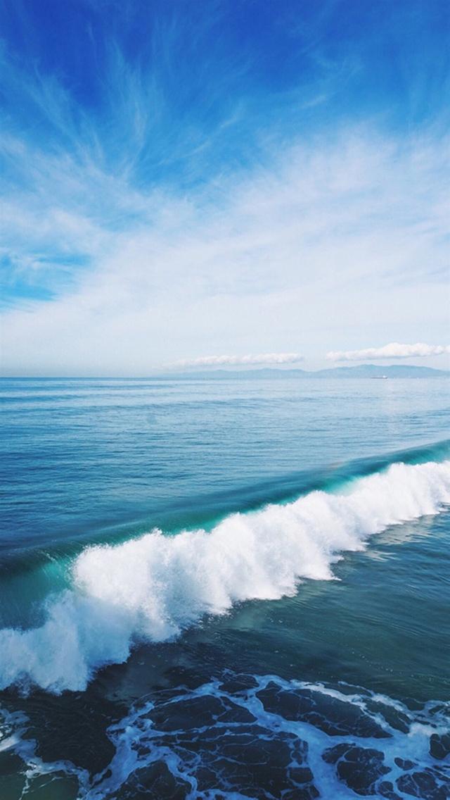 海浪 大海 海水 蓝天 白云 苹果手机高清壁纸 640x