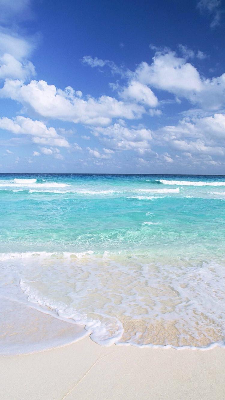 大海 海浪 沙滩 蓝色 蓝天白云 苹果手机高清壁纸 750