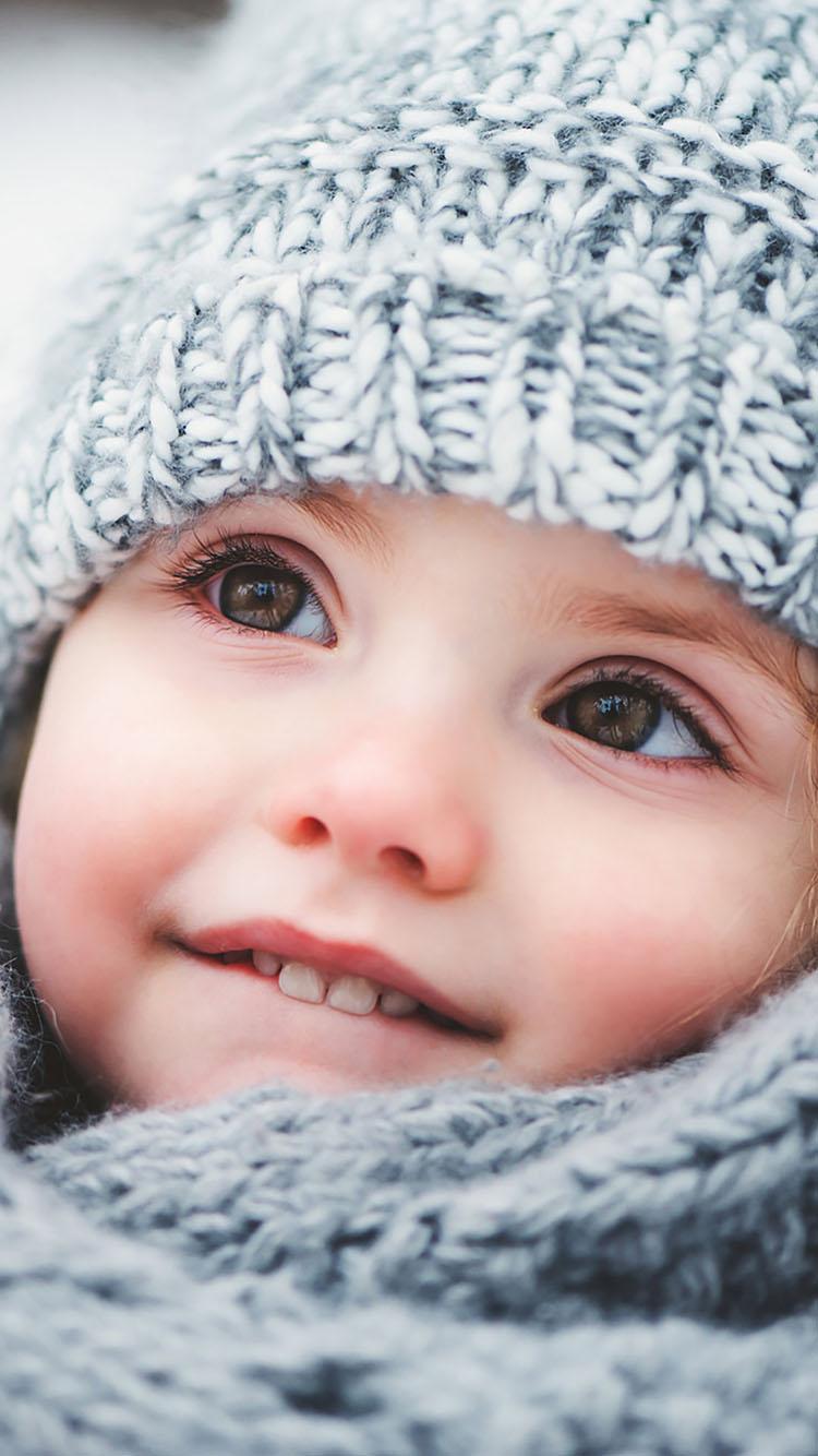 大眼睛 可爱 萌娃 毛线帽 苹果手机高清壁纸 750x1334