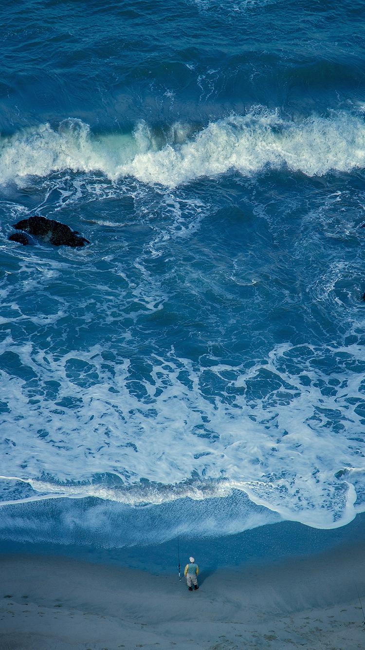 大海 海浪 风景 人物 苹果手机高清壁纸 750x1334