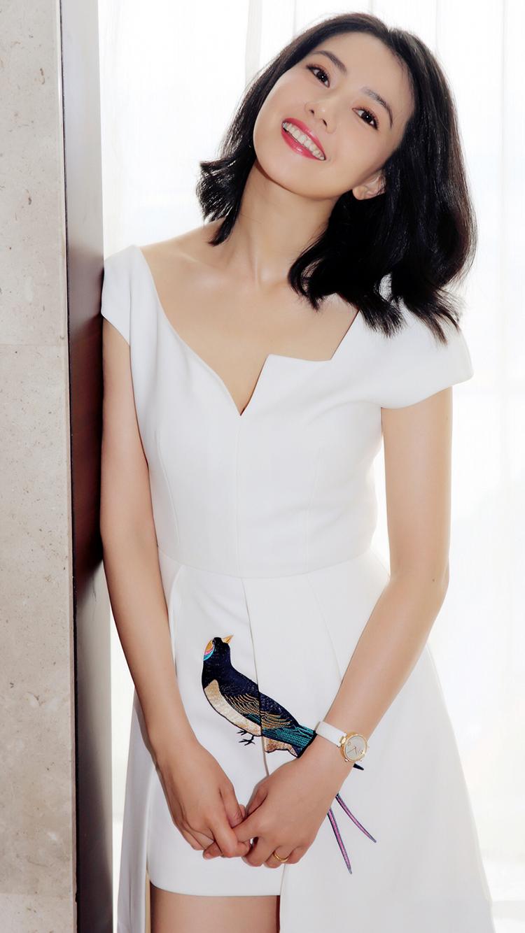 高圆圆 女神 演员 短发 气质 明星 艺人 笑 苹果手机