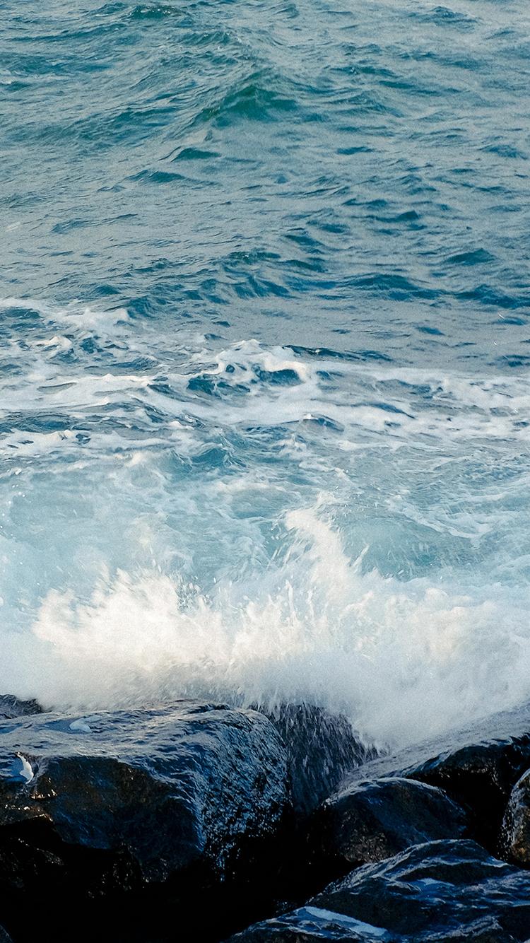海浪 大海 石头 水花 苹果手机高清壁纸 750x1334