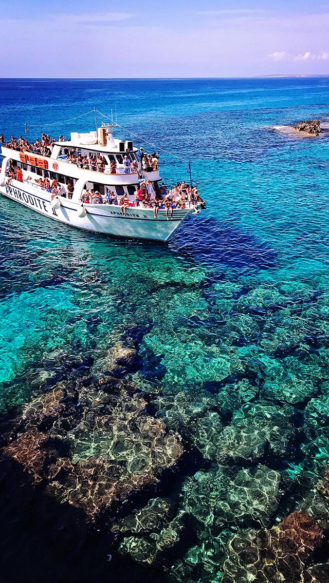 海水 游轮 礁石 蔚蓝 苹果手机高清壁纸 640x1136