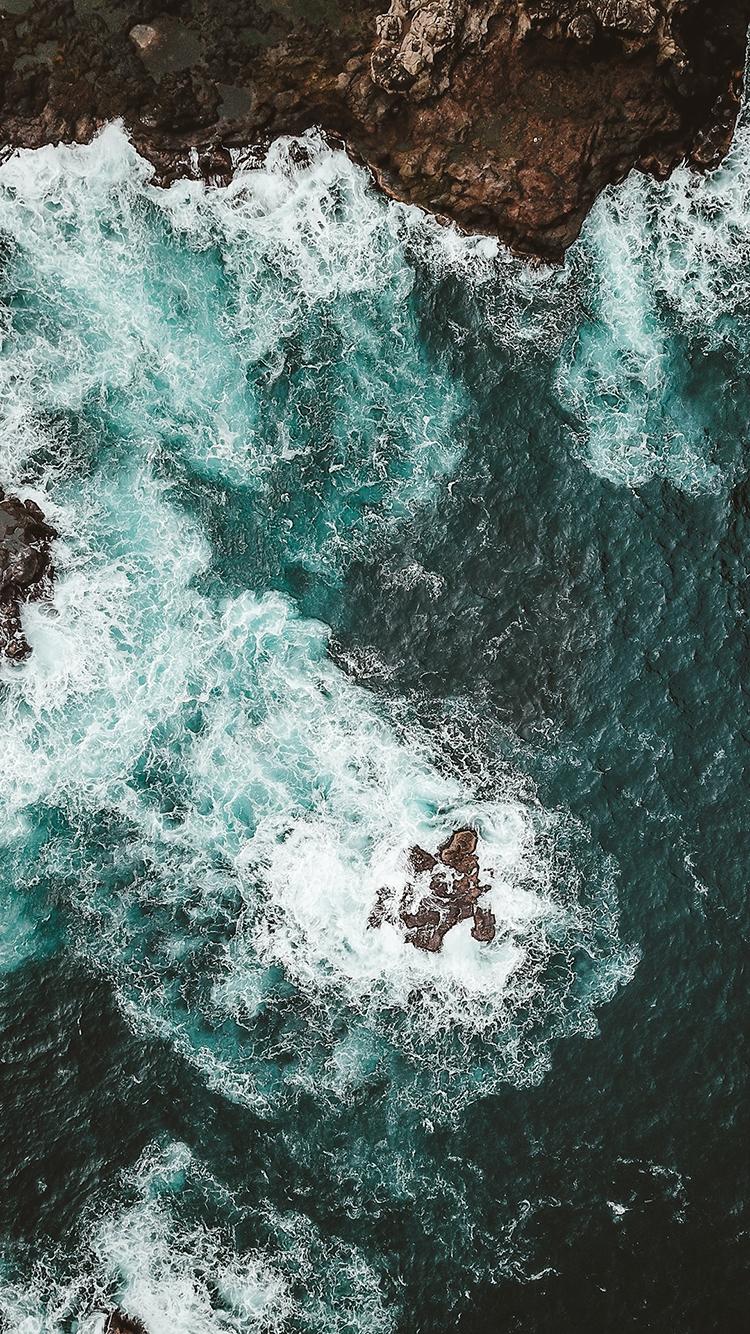 俯拍 海浪 大海 海湾 礁石 苹果手机高清壁纸 750x