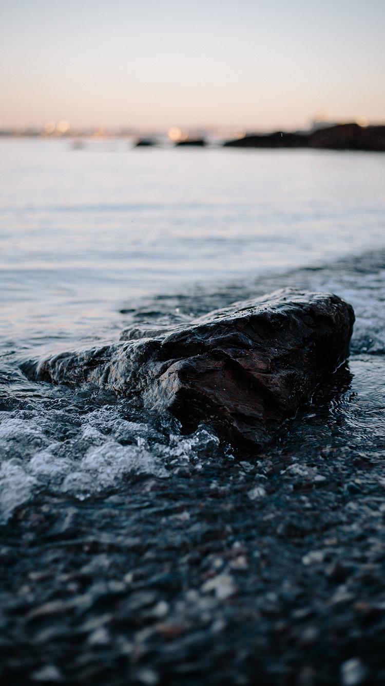 岩石 海水 海浪 沙滩 苹果手机高清壁纸 750x1334