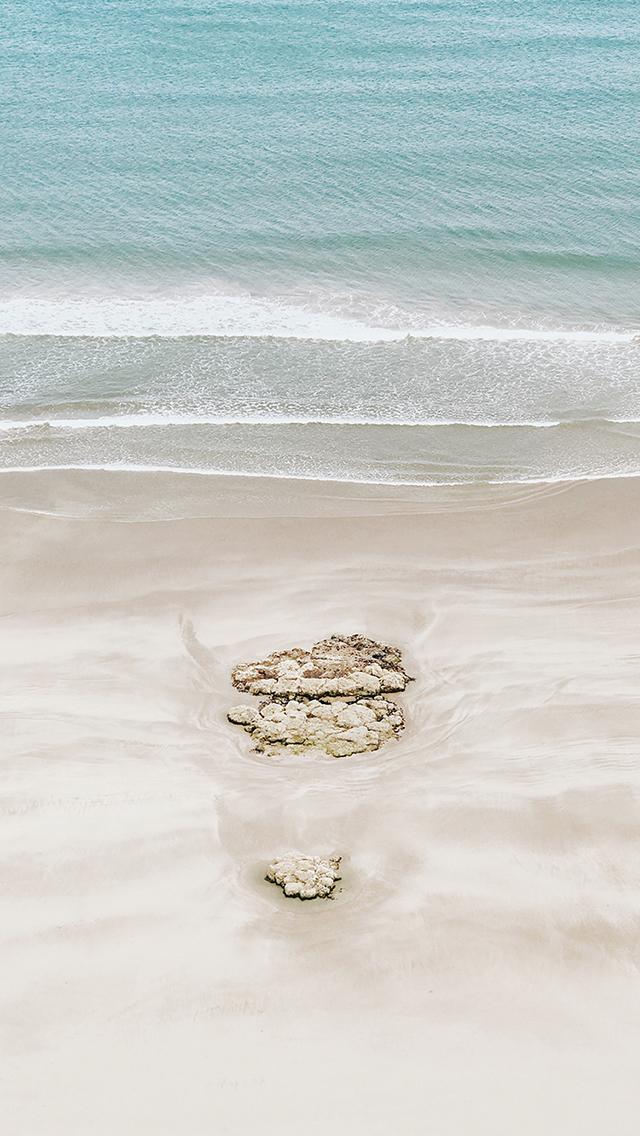 沙滩 海边 海浪 苹果手机高清壁纸 640x1136 - 足球