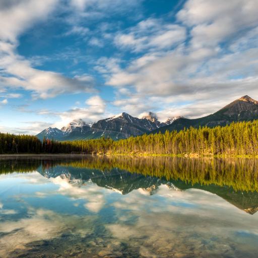 湖 蓝天 白云 山