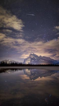 星空 雪山 湖 倒影