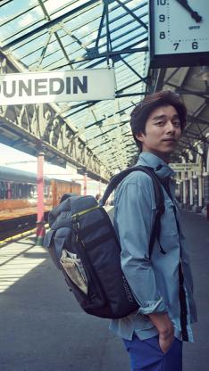 孔侑 韩国 明星 演员 背包 旅行