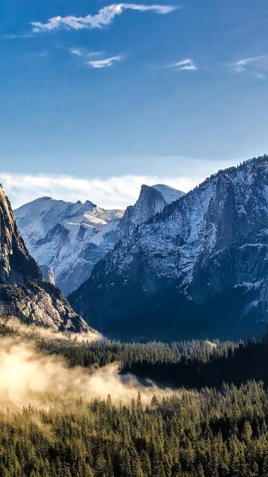 雪山 山峰 树林 蓝天
