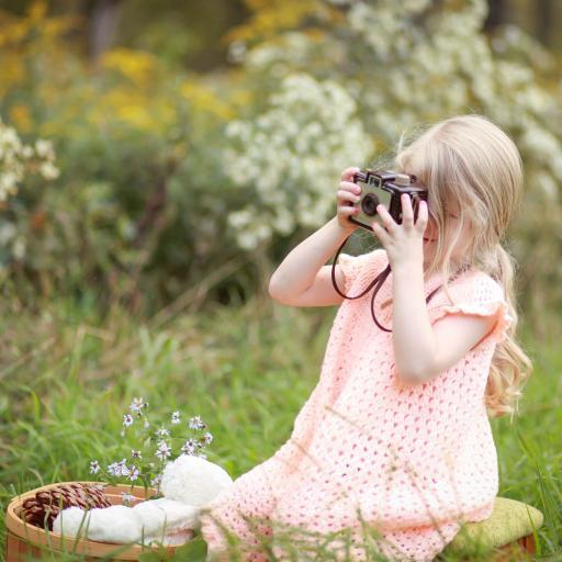 粉色裙子 萌娃 户外 拍照