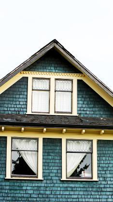 房屋 尖顶 阁楼 窗户 蓝色