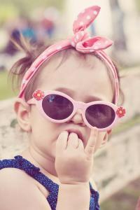 萌娃 墨镜 可爱 蝴蝶结 小女孩