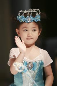 奥莉 皇冠 可爱 公主 小美女