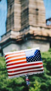 氢气球 漂浮 美国 旗帜 创意