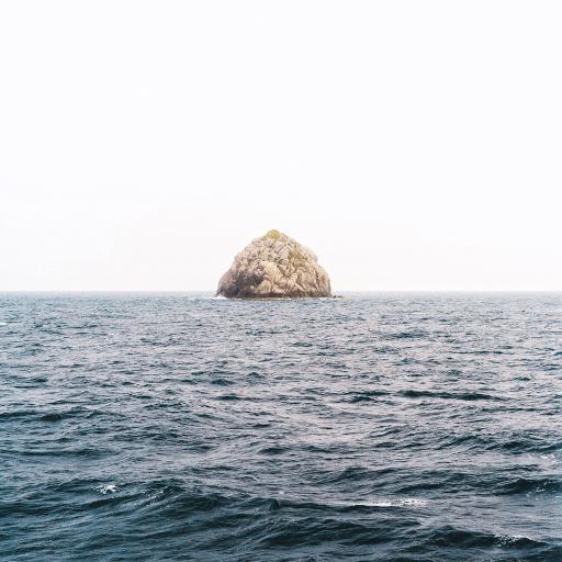 海岛 礁石 大海 海浪