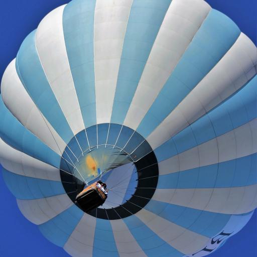 热气球 蓝色 条纹 飞行 天空