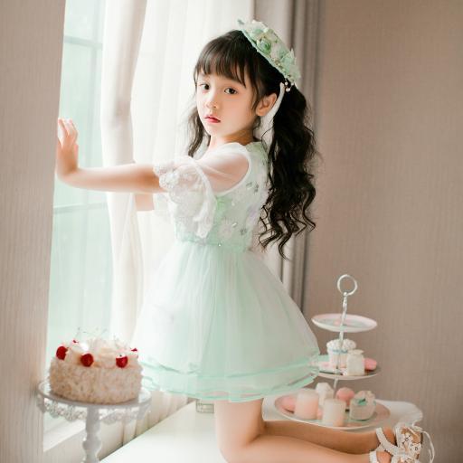 冯雪雅 小公主 萌娃 窗台