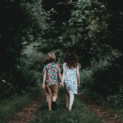两小无猜 小孩 孩童 单纯 友谊