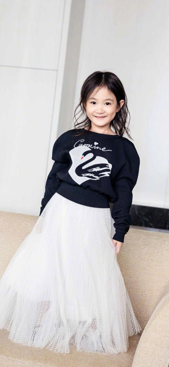 奥莉 小女孩 萝莉 小公主 可爱 纱裙
