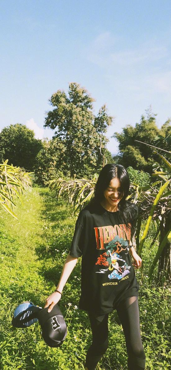 刘雯 大表姐 超模 模特 郊外 绿色