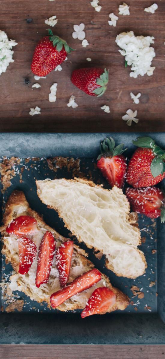 餐点 烘焙 餐包 草莓 白色绣球花