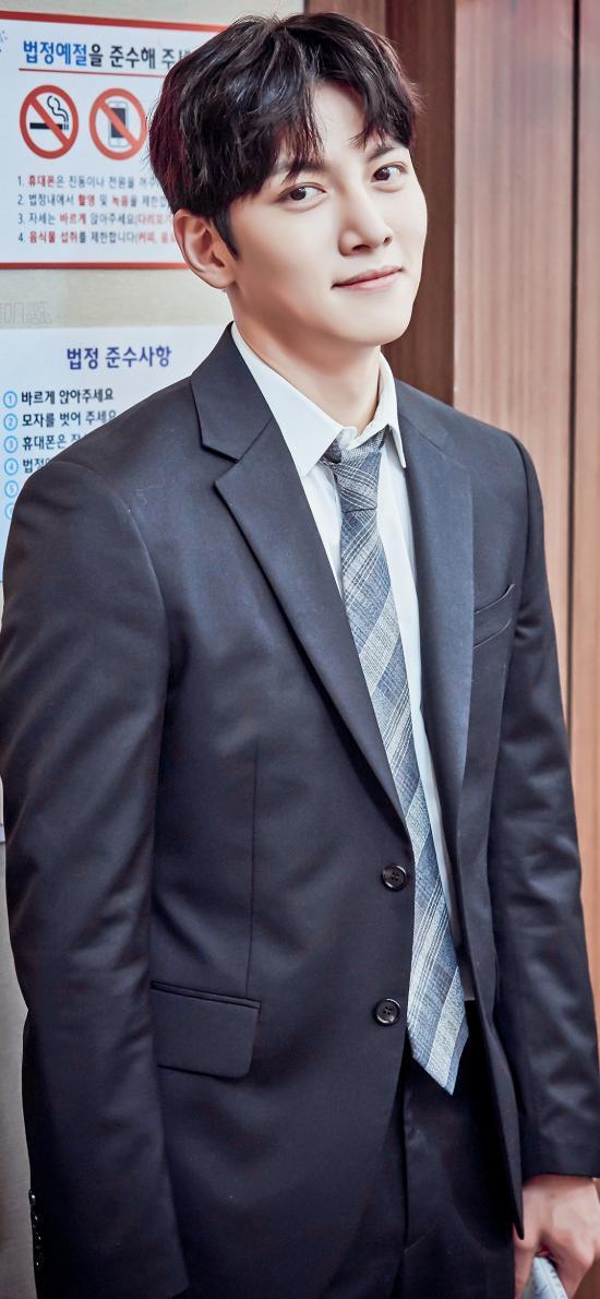 池昌旭 韩国 歌手 演员 明星 艺人