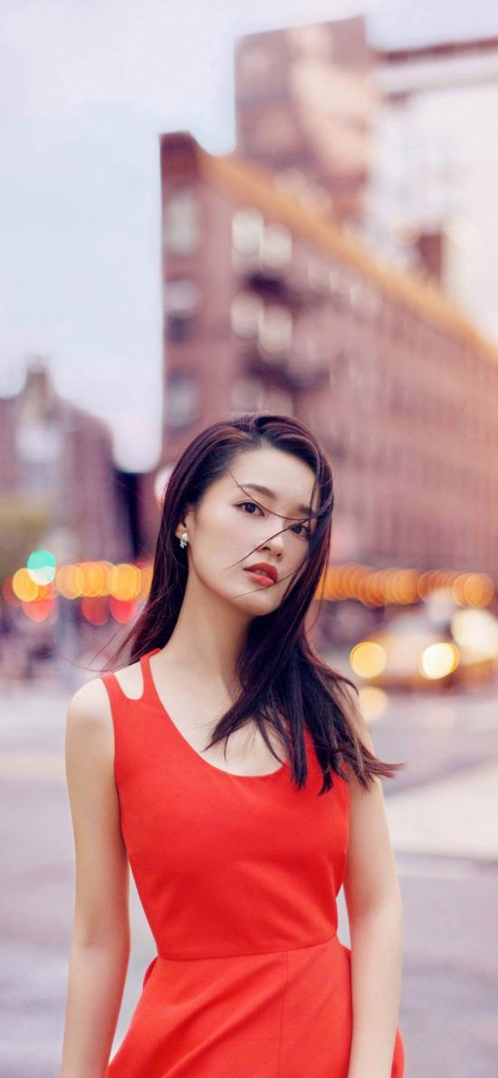 李沁 演员 明星 艺人 街拍