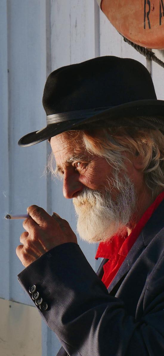 欧美大叔 型男 有范 抽烟