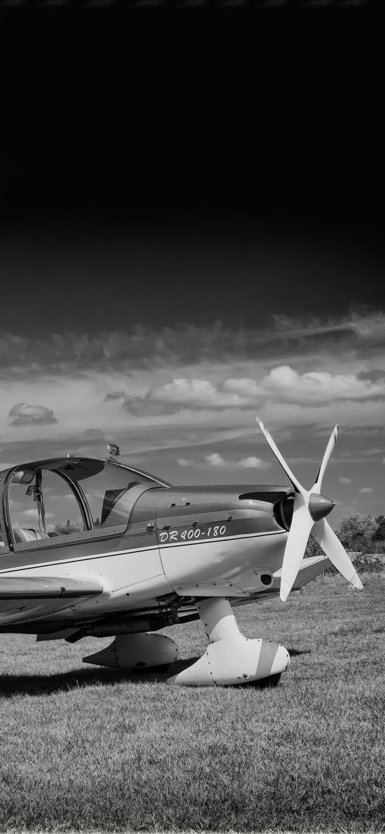 军用飞机 螺旋桨飞机 黑白