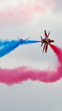 演习 喷粉 色彩 烟雾 飞机