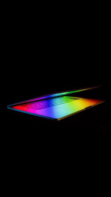 黑色背景 笔记本电脑 科技 彩虹光