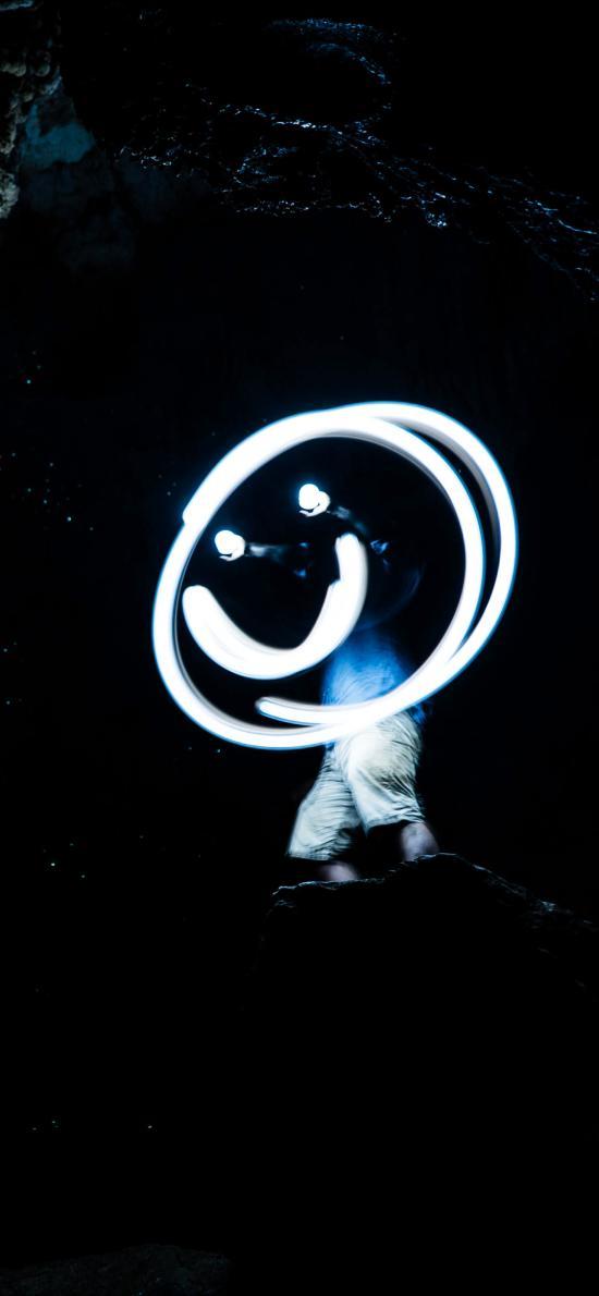 笑脸 表情 荧光棒 黑暗