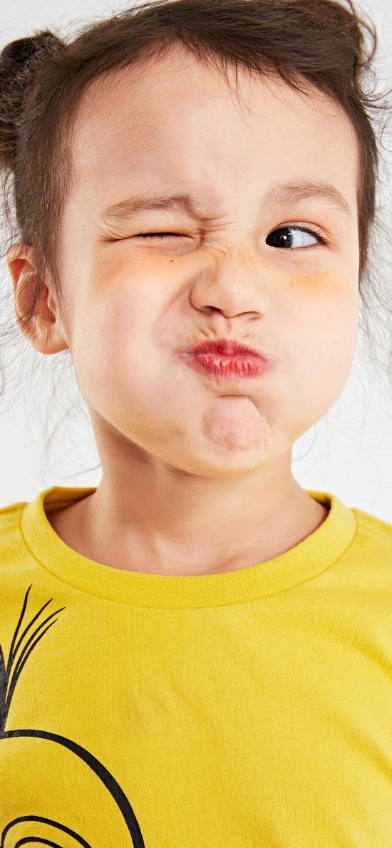 小女孩 可爱 鬼脸 搞怪 丸子头 儿童