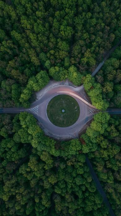 圆盘 公路 树林 俯拍