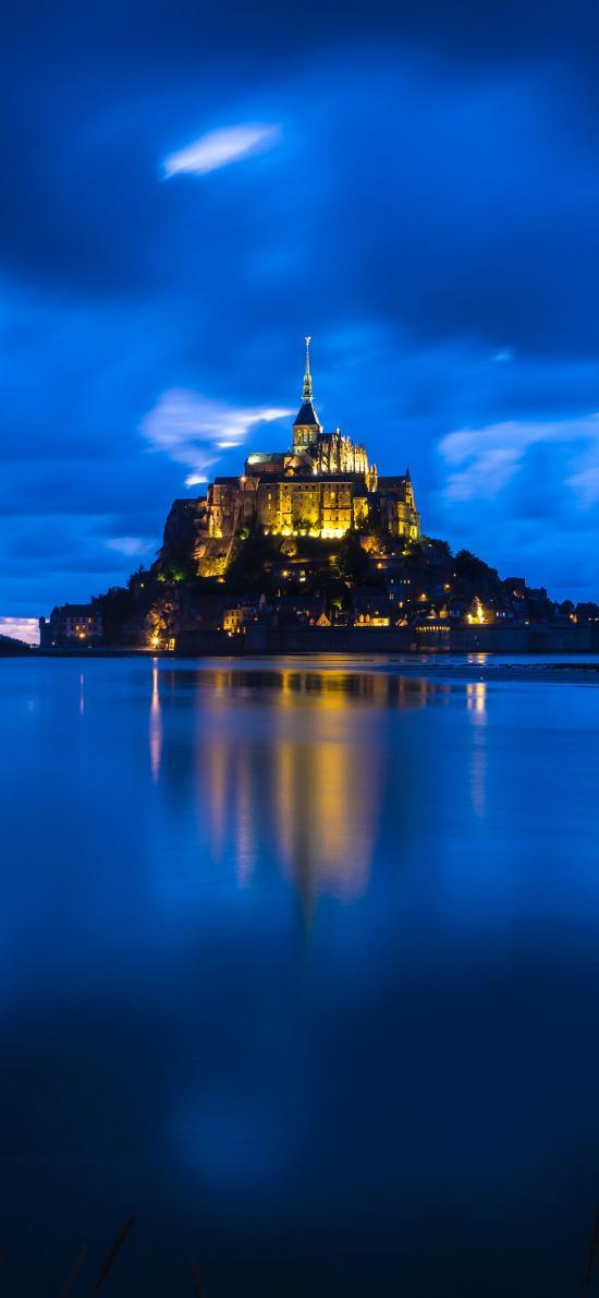 建筑 夜晚 海面 城堡 灯光