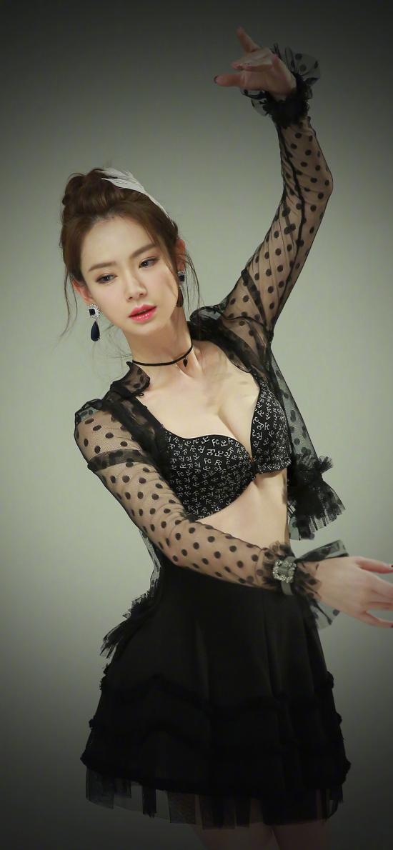 戚薇 演员 歌手 艺人