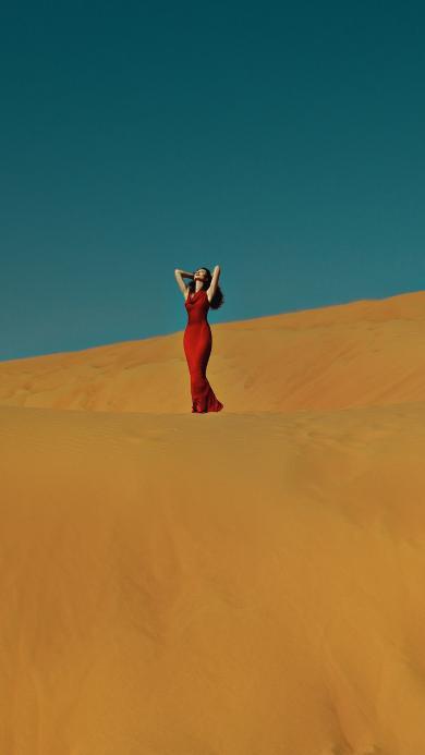 欧美美女 沙漠写真 红裙