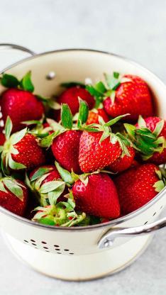 小铁桶 水果 草莓