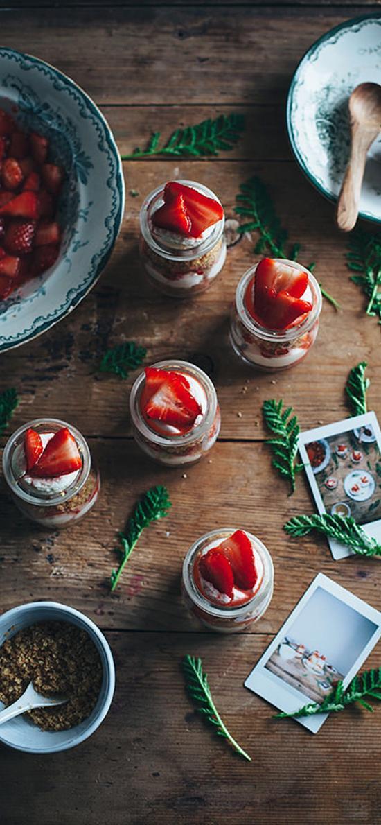 草莓 精致 玻璃瓶 创意 甜品