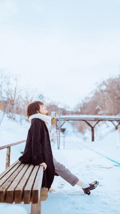 冬季 女孩 雪地 唯美
