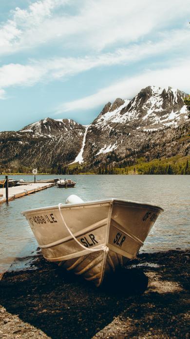 船只 景观 雪山  湖水