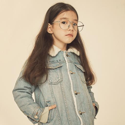 儿童写真 小女孩 眼镜 雀斑