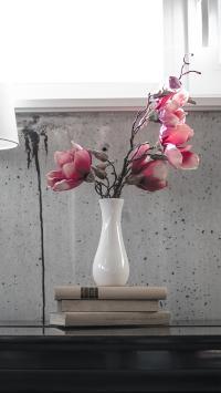 简约 花瓶 鲜花 桌子