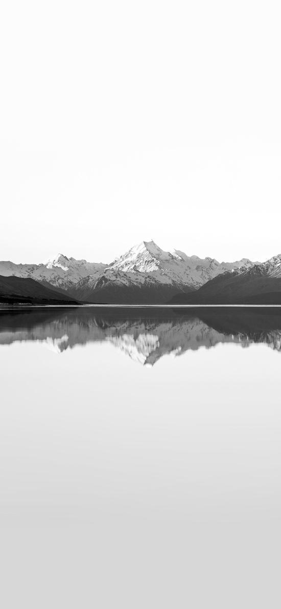 雪山 黑白 对称 倒影 湖水