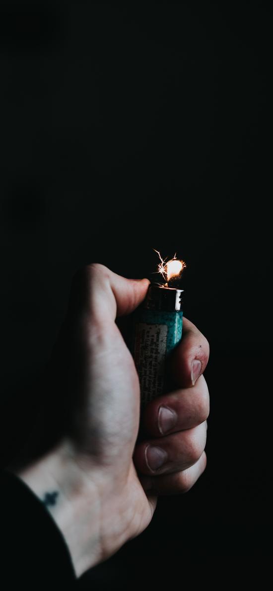 黑色背景 打火机 火花 点火
