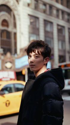 吴磊 演员 明星 艺人 时尚 街拍