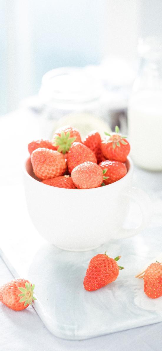 草莓 水果 小清新 文艺 陶瓷碗 牛奶