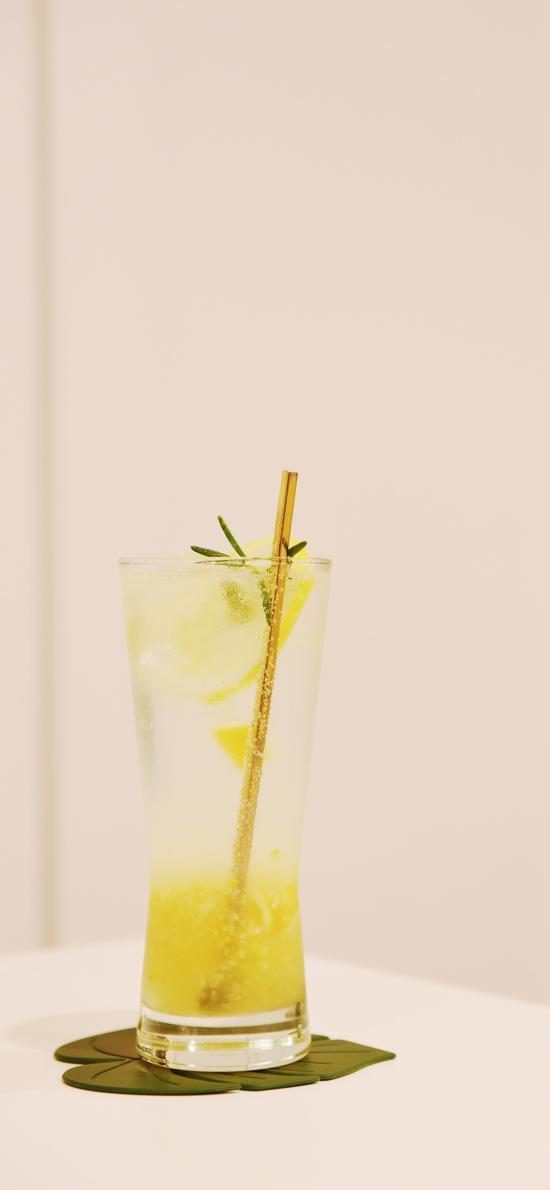 果汁 玻璃杯 饮料 冰块