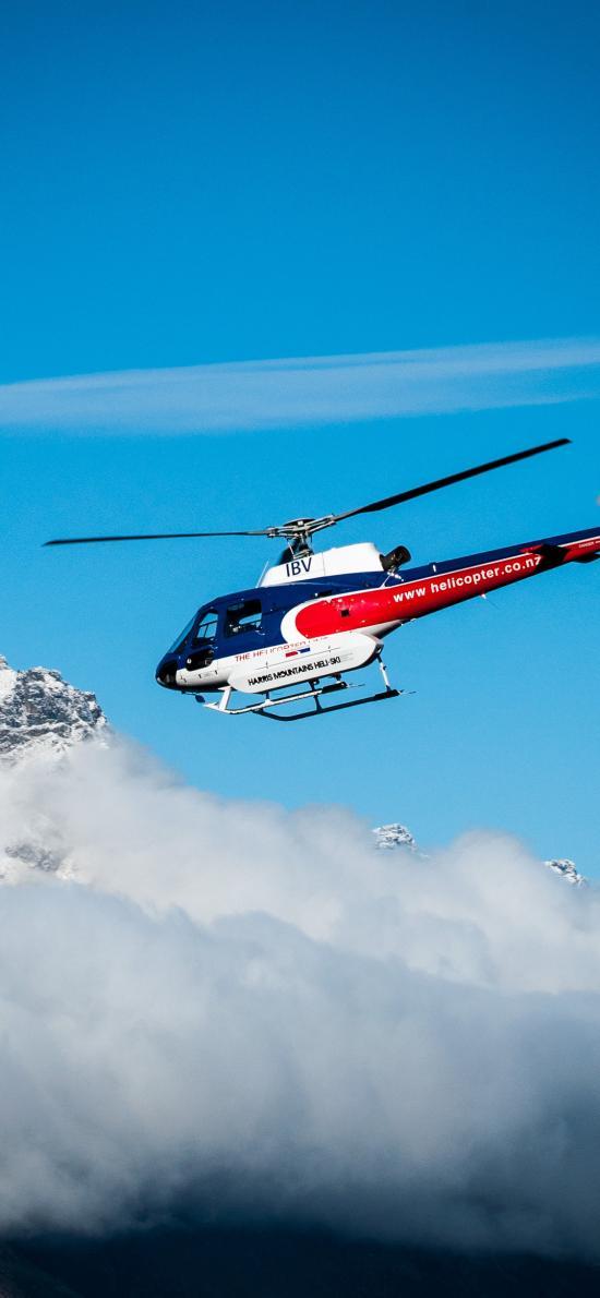 直升机 天空 低空 蓝天